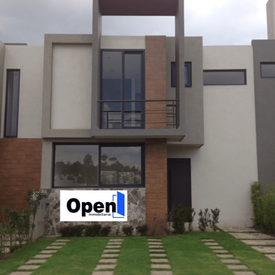 Casa en venta en Fraccionamiento Privado Valle 8, Altozano, Morelia. 454