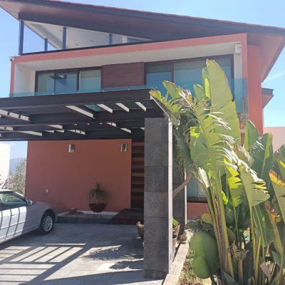 Hermosa Casa en Venta en Campo de Golf Altozano, Morelia.