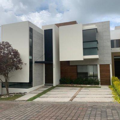 Hermosa casa en Fraccionamiento Cedros, Tres Marías.
