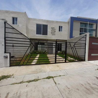 Hermosa Casa Nueva en Venta en Real Universidad.