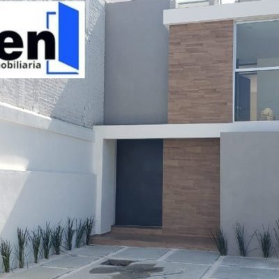 Casa nueva en pre-venta en Villa Universidad $2,500,000